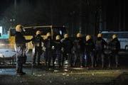 Nach dem Cup-Halbfinal FC Luzern - FC Sion am 13. April 2009 kam es zu Ausschreitungen. Nun wurden 17 Beteiligte verurteilt. (Bild Corinne Glanzmann/Neue LZ)