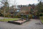 Die Stadt Luzern will das Schulhaus Grenzhof (früher Gemeinde Littau) abreissen. (Bild: Dominik Wunderli)