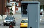 Geschwindigkeits-Messanlage im Kanton Schwyz. (Archivbild Erhard Gick/Neue SZ)