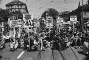 Neue Protestform: Sit-in gegen den Vietnam-Krieg in Bern im Juni 1968. (Bild: Joe Widmer/Photopress-Archiv)