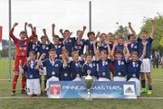 Die U13-Junioren des FC Luzern freuen sich zurecht über den Gewinn des Pfingst Masters. (Bild Martin Meienberger)