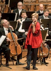 ... und Isabelle Faust in den Sinfoniekonzerten vom Sonntag. (Bild: Lucerne Festival / Priska Ketterer)