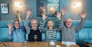 Feiern den 50. Geburtstag ihres Fotoclubs (von links): Remy Buchmann, Hansruedi Baumgartner, Maria- Elisabeth Busch und Roby Amrein. (Bild: Dominik Wunderli (Ebikon, 8. März 2018))