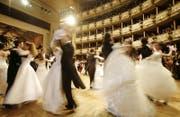 Tänzer am traditionellen Opernball in Wien. (Symbolbild) (Bild: AP Photo/Herwig Prammer, Pool)