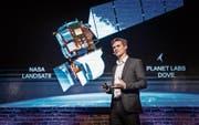 Raketenbauer Chris Kemp spricht am Start Summit 2018 über das vielleicht bald boomende Satellitengeschäft. (Bild: Michel Canonica)