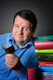 Bald mit seinem neuen Buch auf Tour: der gebürtige Sarner Hanspeter Müller-Drossaart. (Bild: PD)