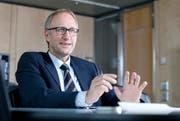 Die Zuger Regierung (im Bild Finanzdirektor Peter Hegglin) ist besorgt. (Bild: Stefan Kaiser / Neue ZZ)