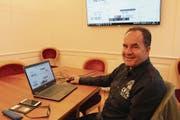 Paul Walker freut sich, dass in Uri die Baugesuche nun online eingereicht werden können. (Bild: Markus Zwyssig (Altdorf, 1. September 2017))