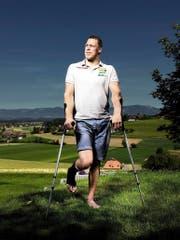 Erholt sich bei sich zu Hause in Alchenstorf von seiner Verletzung: der Berner Matthias Sempach. (Bild Philipp Rohner)