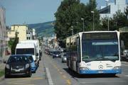 Vom Knoten Schlösslistrasse in Ebikon bis zum Maihof soll eine separate Busspur gebaut werden. (Bild: Boris Bürgisser / Neue LZ)