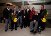 Die Preisträger mit den Verantwortlichen der UKB. (Bild Daniel Regli/Neue UZ)