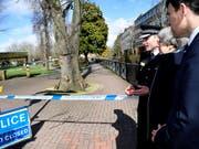 In diesem Park wurden der russische Ex-Spion und seine Tochter vergiftet aufgefunden - London hat daraufhin russische Diplomaten ausgewiesen, Moskau zieht nun nach. (Archiv) (Bild: KEYSTONE/AP Pool Reuters/TOBY MELVILLE)