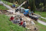 Auf der Baustelle beim Mostelberg wird seit Anfang Mai das Fundament zur Fussgänger-Hängebrücke gelegt. (Bild Sattel-Hochstuckli AG/pd)