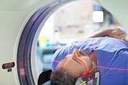 Das bildgebende Verfahren MRI (auch MRT genannt) ist an sich ein Segen für die Medizin, aber es kommt heute oft auch dort zur Anwendung, wo es nichts bringt oder sogar Nachteile hat. (Bild: Getty)