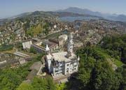 Der Luzerner Bevölkerung gefällt vor allem die Schönheit, die Natur und die zentrale Lage der Stadt. (Bild: Luftbild René Meier / luzernerzeitung.ch)