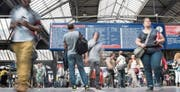 Bis zu 500000 Pendler pro Tag: Der Hauptbahnhof Zürich ist der grösste Verkehrsknotenpunkt der Schweiz. Bild: Ennio Leanza/Keystone (7. Juni 2016)