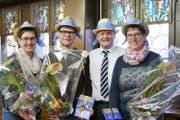 Preisübergabe an die Hauptpreis-Trägerinnen im DVL-Haus an der Burgerstrasse 17 in Luzern (von links): Franziska Bucheli, Rain; Jonny Küng, Uffikon; DVL-Präsident Heinz Bossert und Hilda Knüsel, Küssnacht. (Bild: PD)