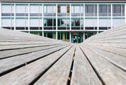 Das Schulhaus Guthirt in der Stadt Zug. (Bild: Dominik Hodel)