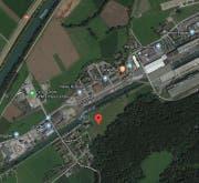 Im Gebiet Haslirain (rote Markierung) in Buchrain soll eine neue Wohnüberbauung entstehen. (Bild: googlemaps.ch)