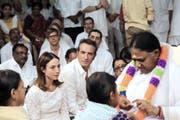 Antoine Abeilard (Jean Dujardin) und Anna (Elsa Zylberstein) verlieben sich in Indien. (Bild: PD)