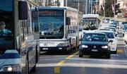 Starkes Verkehrsaufkommen in der Zuger Vorstadt. (Bild: Christof Borner-Keller (18. März 2014))