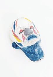 Oben: Miriam Sturzenegger, «Shape of Dust (eightpartite)», 2017, und Roland Heini, «Relief mit 4 Ringen», 2011. (Bild: Kumu/Akku Emmen/PD)