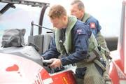 Die Piloten treffen Vorbereitungen vor dem Start. (Bild: PD)