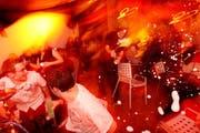 An Silvester fliegen die Champagnerkorken. Wo «rutschen» Sie ins neue Jahr? (Bild: Archiv Neue LZ / Philipp Schmidli)