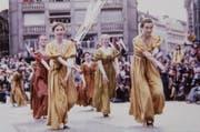 Anmutige, historisch gekleidete Frauengruppe beim Festumzug zum 800-Jahr-Jubiläum der Stadt Luzern am 23. April 1978. (Bild: Stadtarchiv Luzern, F2a Anlässe, Fotograf Anderhub)