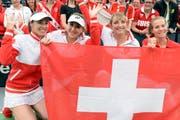 Sie treten an: Martina Hingis, Belinda Bencic, Timea Bacsinszky and Viktorija Golubic (von links), hier am Fedcup-Viertelfinal gegen Deutschland in Leipzip im vergangenen Februar. (Bild: Keystone / Walter Bieri)