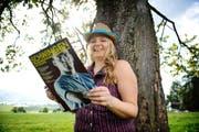 «Schwinger sehen wirklich nicht leid aus», sagt Evelin Winiger (32), Fan von Kindesbeinen an. (Bild: Corinne Glanzmann / Neue LZ)