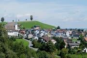 In der Gemeinde Menzingen wurden die Jungs wegen ihrem berauschenden Kuchen ohnmächtig. (Bild: Stefan Kaiser)
