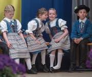 Kinder am Heimatabend der Trachtengruppe Horw. (Bild: Boris Bürgisser (Horw, 1. April 2017))