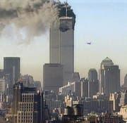 New York, 11. September 2001: der Anschlag auf die Twin Towers. Zeitgleich wurde auch das Pentagon in Washington angegriffen. (Bild: Screenshot Getty)