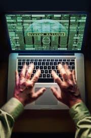 Der Schweizer Nachrichtendienst darf seit dem 1. September Computer hacken. (Bild: Caroline Purser/Getty)