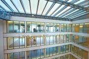 In die hellen Räume im Pflegezentrum II in Baar werden Ende Monat Bewohner einziehen. (Bild Maria Schmid)