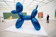 Ein «Balloon Dog» von Jeff Koons. Ein solcher in Orange wurde 2013 bei Christie's für 58,4 Millionen Dollar versteigert. (Bild: Ted Soqui/Getty)