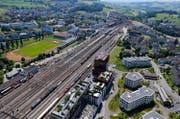 Die Zugstrecke zwischen Rotkreuz (Bild) und Hünenberg ist unterbrochen. (Bild: Stefan Kaiser/Neue LZ)