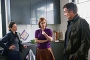 Ausschnitt aus dem sechsten Luzerner «Tatort». Die Ermittler befragen eine Frau aus dem Umfeld von Donna. (Bild: SRF)