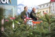 Jetzt, kurz vor Weihnachten, ist die beste Zeit einen schönen Christbaum zu ergattern. (Bild Urs Hanhart)