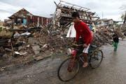 Die Stadt Luzern unterstützt die Opfer des Taifuns in den Philippinen. (Bild: Keystone)
