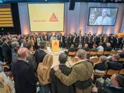 Auch dieses Jahr treffen an der Generalversammlung der Sika zwei Fronten aufeinander (Archivbild der letzten Generalversammlung im April 2016). (Bild: KEYSTONE/URS FLUEELER)