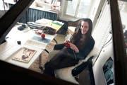 Anne-Catherine Lüke in ihrem Atelier. (Archivbild Adrian Baer/Neue LZ)