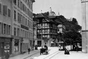 Tram anno 1905 am Kasernenplatz auf der noch eingleisigen Strecke Emmenbrücke-Bahnhof. (Bild: PD)