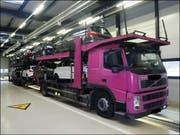 Die Polizei stoppte diesen Lastwagen mit nicht weniger als 26 technischen Mängeln. (Bild: Kapo Uri)