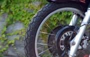 Motorradfahrer wurde schwer verletzt. (Symbolbild Luca Wolf/Neue NZ)
