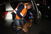 Im Einsatz war ein Polizeihund. (Bild: Zuger Polizei)