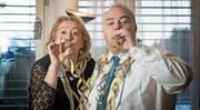 Ihnen geht so schnell die Luft nicht aus: Wey-Zunftmeister Jörg Krähenbühl (60) mit seiner Lebenspartnerin Heidi Burri (59). (Bild: Corinne Glanzmann (Luzern, 3. Februar 2018))