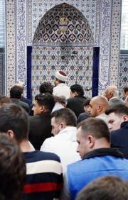 In der Moschee in Baar wirken seit Jahrzehnten Imame, die durch die türkische Religionsbehörde Diyanet vermittelt werden. (Bild Werner Schelbert)