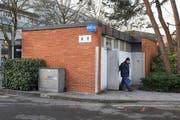 Die Stadt will die WC-Anlagen Inseli sanieren. Die Baukommission möchte die Kosten dafür deutlich senken. (Bild Dominik Wunderli)